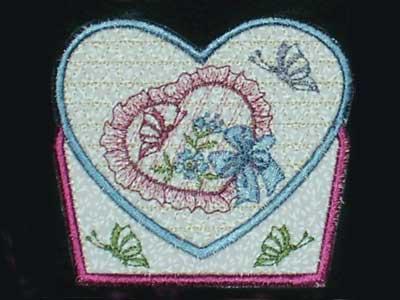 Bear heart balloon appliqué embroidery design jazzy zebra designs